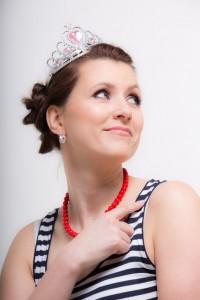 adult-woman-wearing-tiara-683x1024